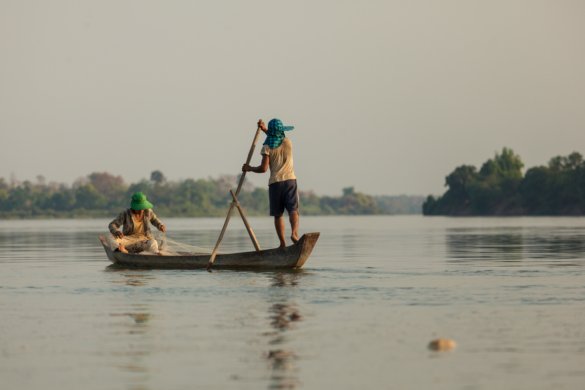 WWF's conservation work in the Greater Mekong, April 2014: fishermen at work on the Mekong river in front of Koh Preah, Cambodia.
