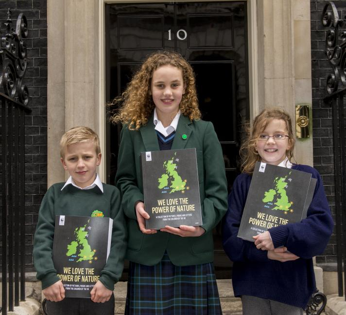 The school winners delivering books to Downing Street for our Earth Hour campaign 'We Love the power of nature' © Richard Stonehouse / WWF-UK