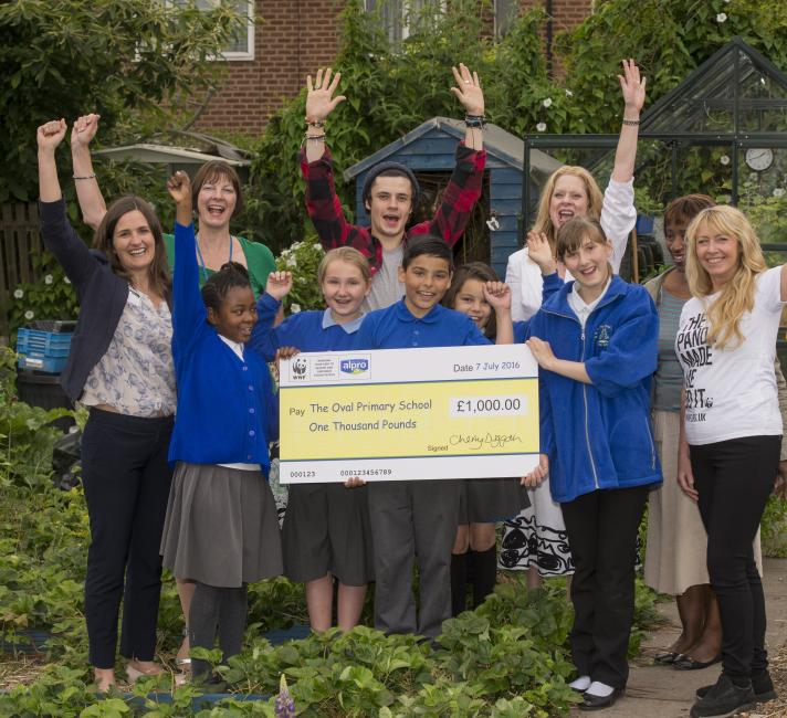 The Oval Primary School, winners of the Plant2Plate recipe competition © Richard Stonehouse / WWF-UK