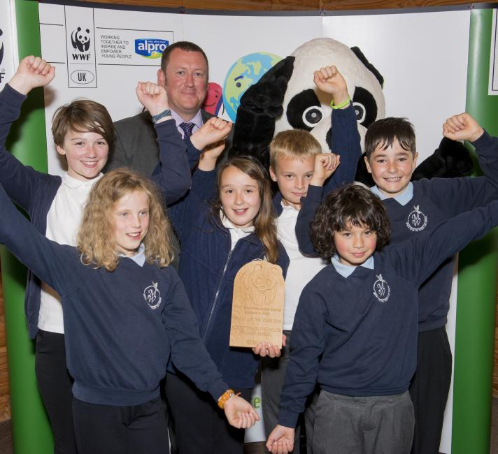 Winners of the Green Ambassdors School of the Year Award 2016 © Richard Stonehouse / WWF-UK