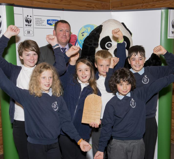 Green Ambassador School of the Year 2016, Middleton-on-the-Wold Primary School © Richard Stonehouse / WWF-UK