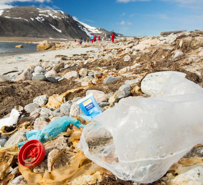 Ten tips to reduce your plastic footprint | WWF