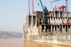 Construction of a dam on the Yangtze river